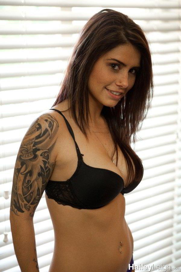 Hailey Leigh - Amateur Masturbation